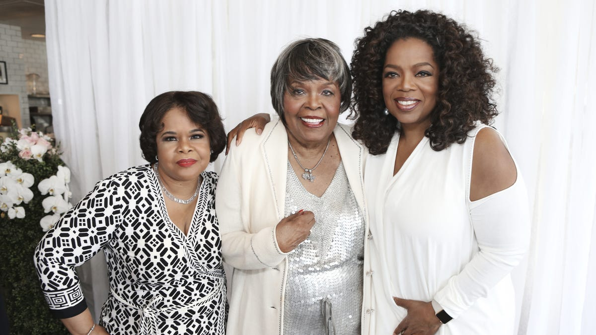 Oprah 12 Days Of Christmas.Oprah Winfrey Remembers Her Mother She Lived A Good Life