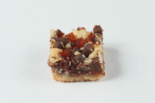 cookierec05-9 Chocolate Apricot Amaretto Bars