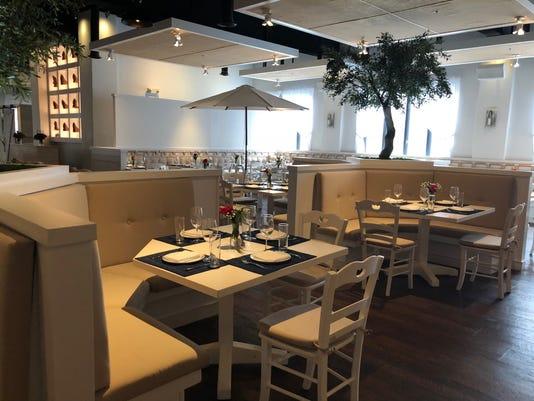 Best Restaurants Elia Interior