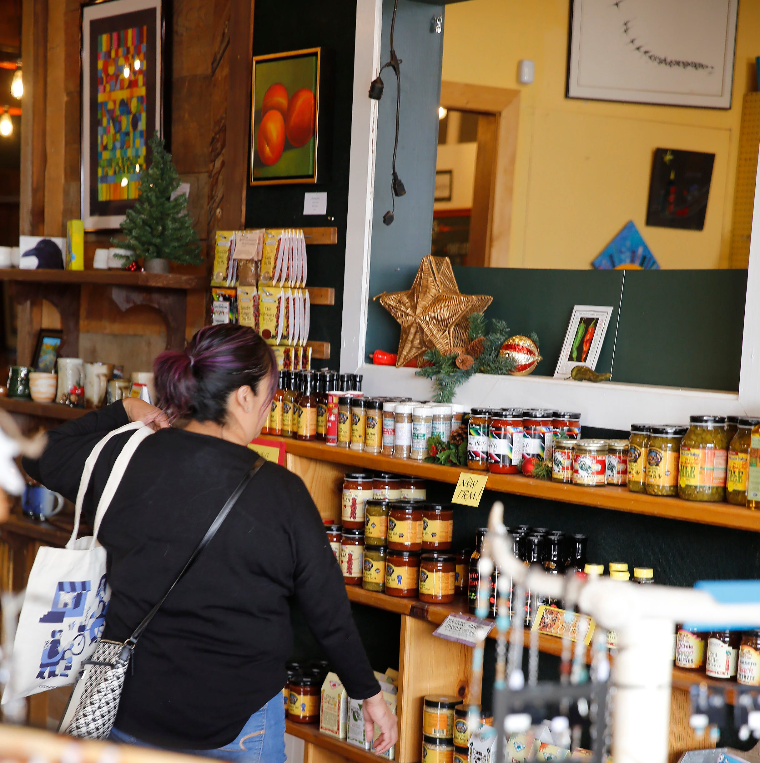 Downtown businesses saw steady stream of visitors during Small Business Saturday