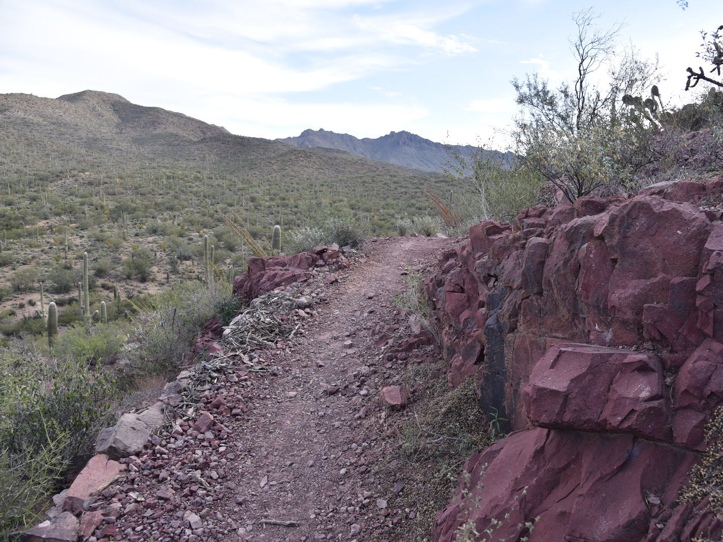 Colorful rock outcroppings line the route.