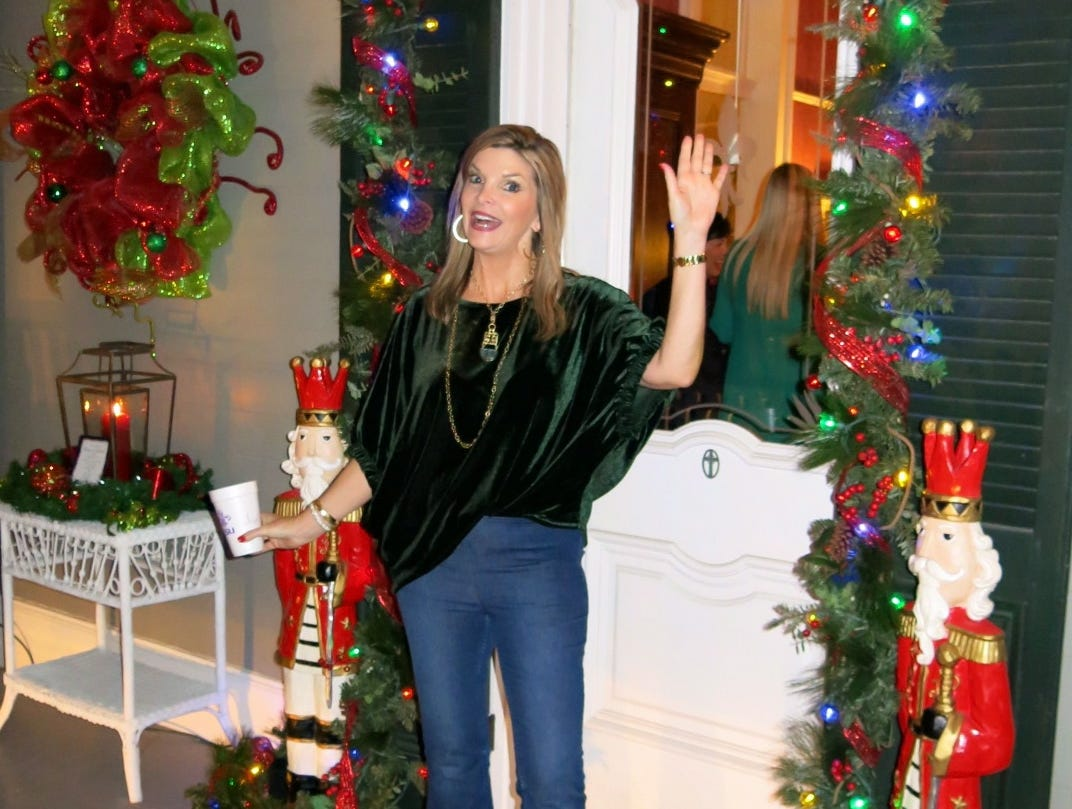"""Christmas in Natchitoches"" Nov. 24 honored Demoiselle Debutante Anne Dalton Evans."