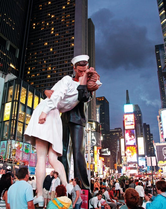 Seward Johnson Embracing Peace