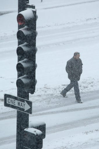 Winter Storm Hits Midwest, Disrupts Holiday Travel