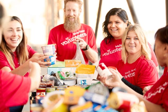 Volunteer or donate this holiday season to help fight hunger in America.