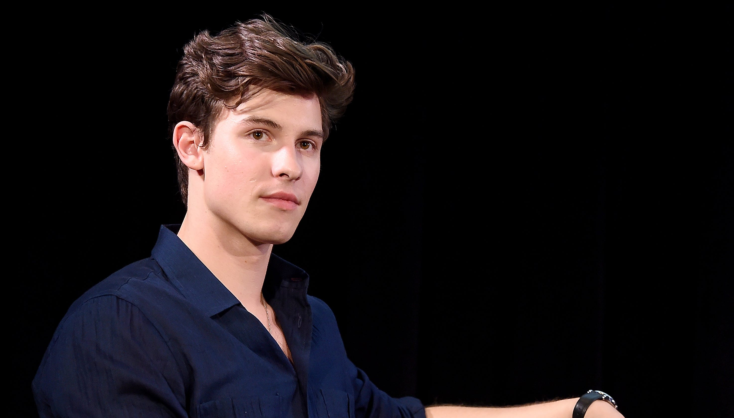 973d23016 Shawn Mendes feels pressured to 'prove' he's not gay