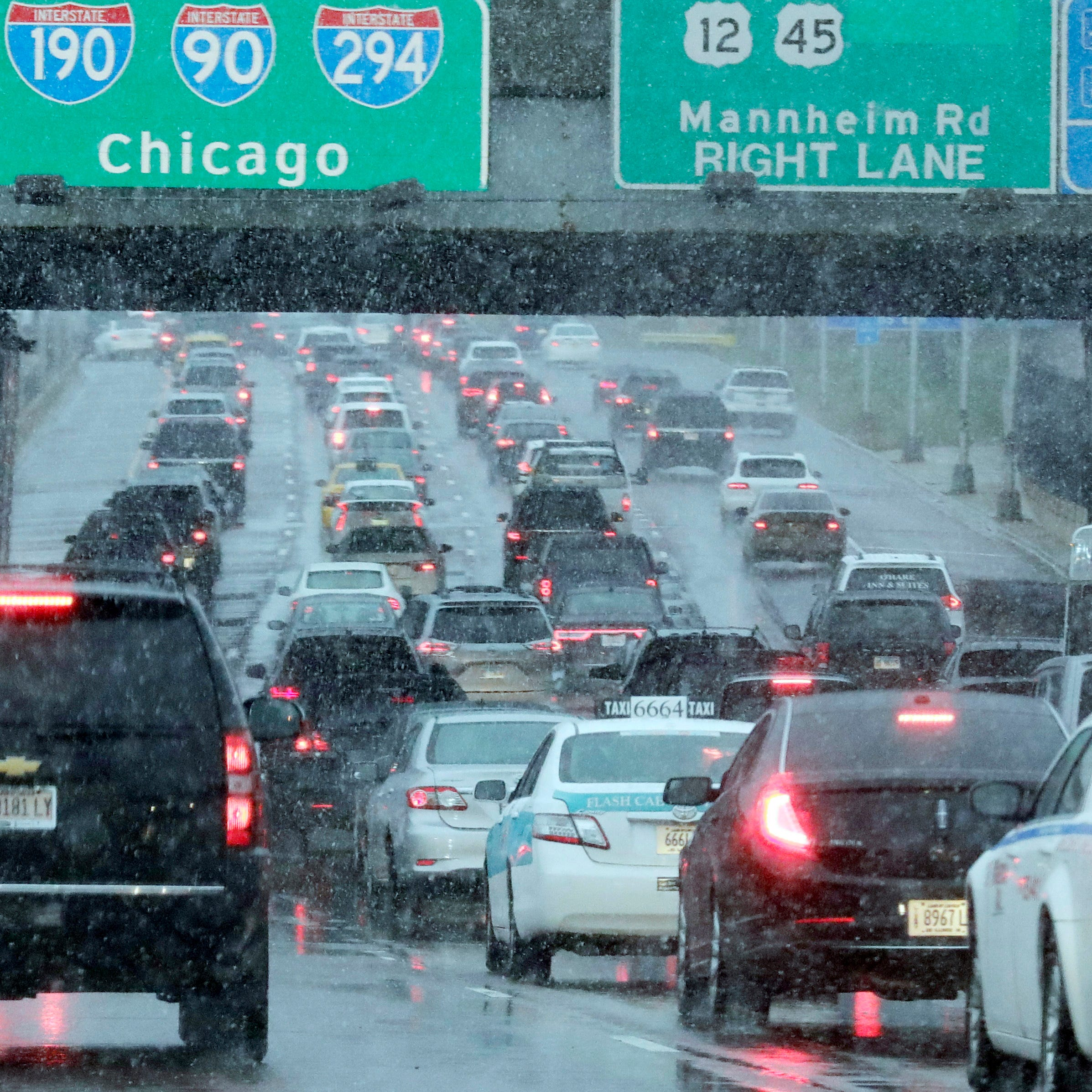 Christmas travel weather forecast: Mostly wet, but not white, for travelers this week