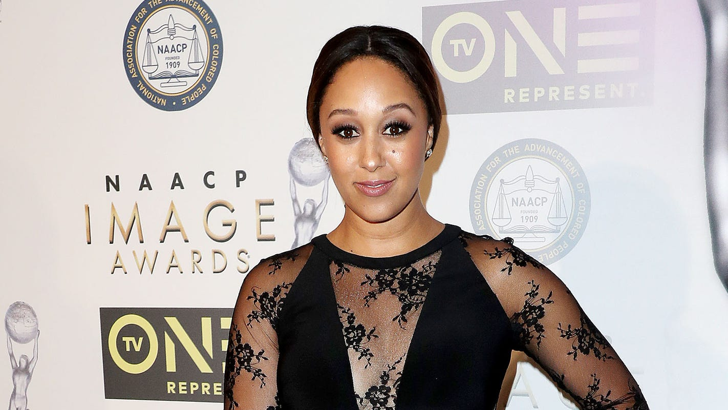 6201a2bd532da Tamera Mowry-Housley returns to  The Real