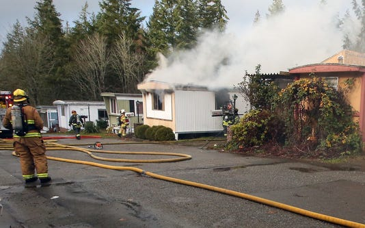Country Lane Mobile Home Fire 01