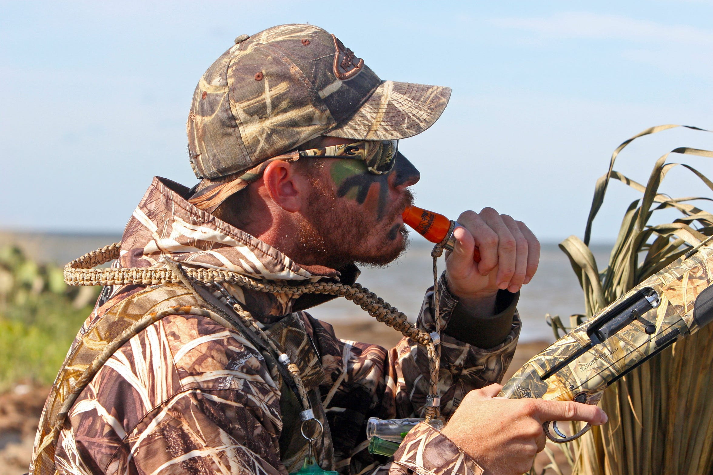 Duck hunting should be an enjoyable and relaxing activity, not an opportunity for conflict.