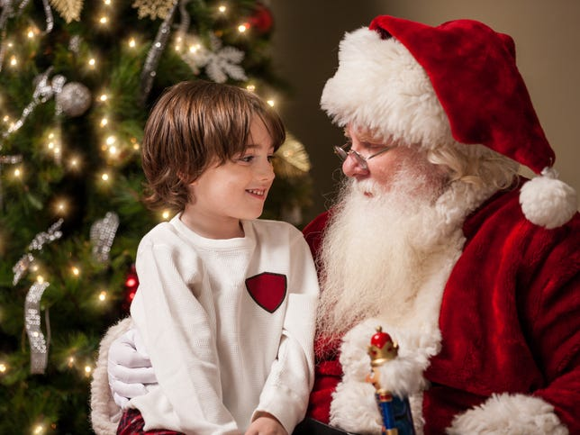 Mitch Albom: Santa line yields unlikely moment, and a reason for hope