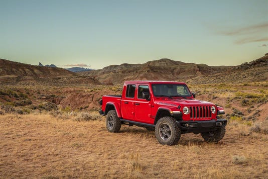 La Auto Show Jeep Gladiator Is Unveiled As New Suv