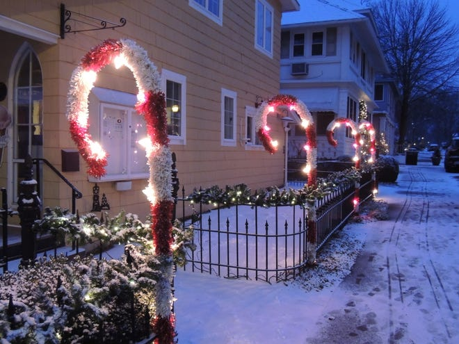 """Lakeside will be hosting family-friendly Christmas activities Dec. 7 to 9 in coordination with the Marblehead Merchants """"Village Lights,"""" which highlights local shops and restaurants on the peninsula."""