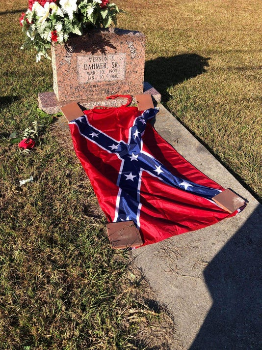 Confederate flag on Dahmer grave