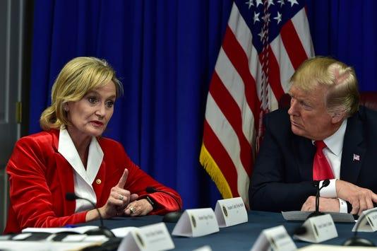 Cindy Hyde Smith Donald Trump