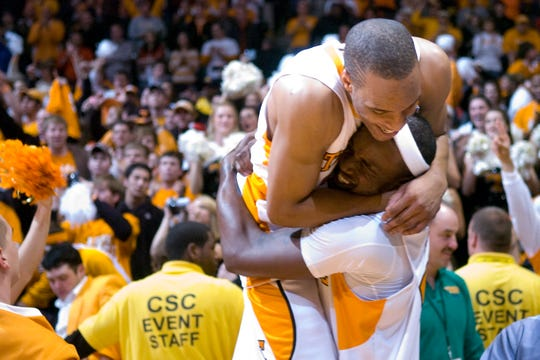 J.P. Prince and Wayne Chism celebrate their win over Kansas 76-68 at Thompson-Boling Arena on Sunday, Jan 10, 2010.