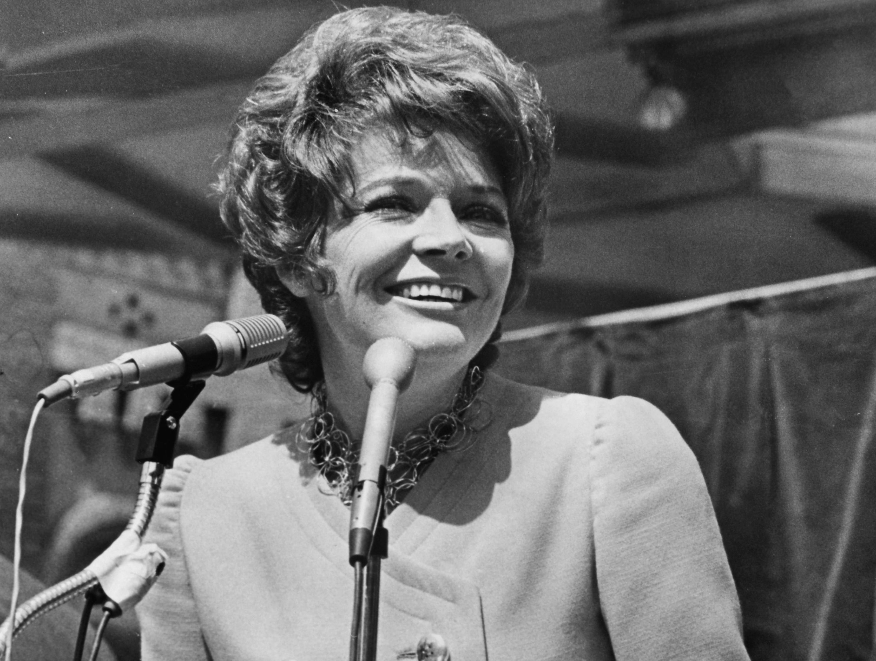 Actress Polly Bergen makes a public appearance April 16, 1971, during a visit in connection with the Dogwood Arts Festival.