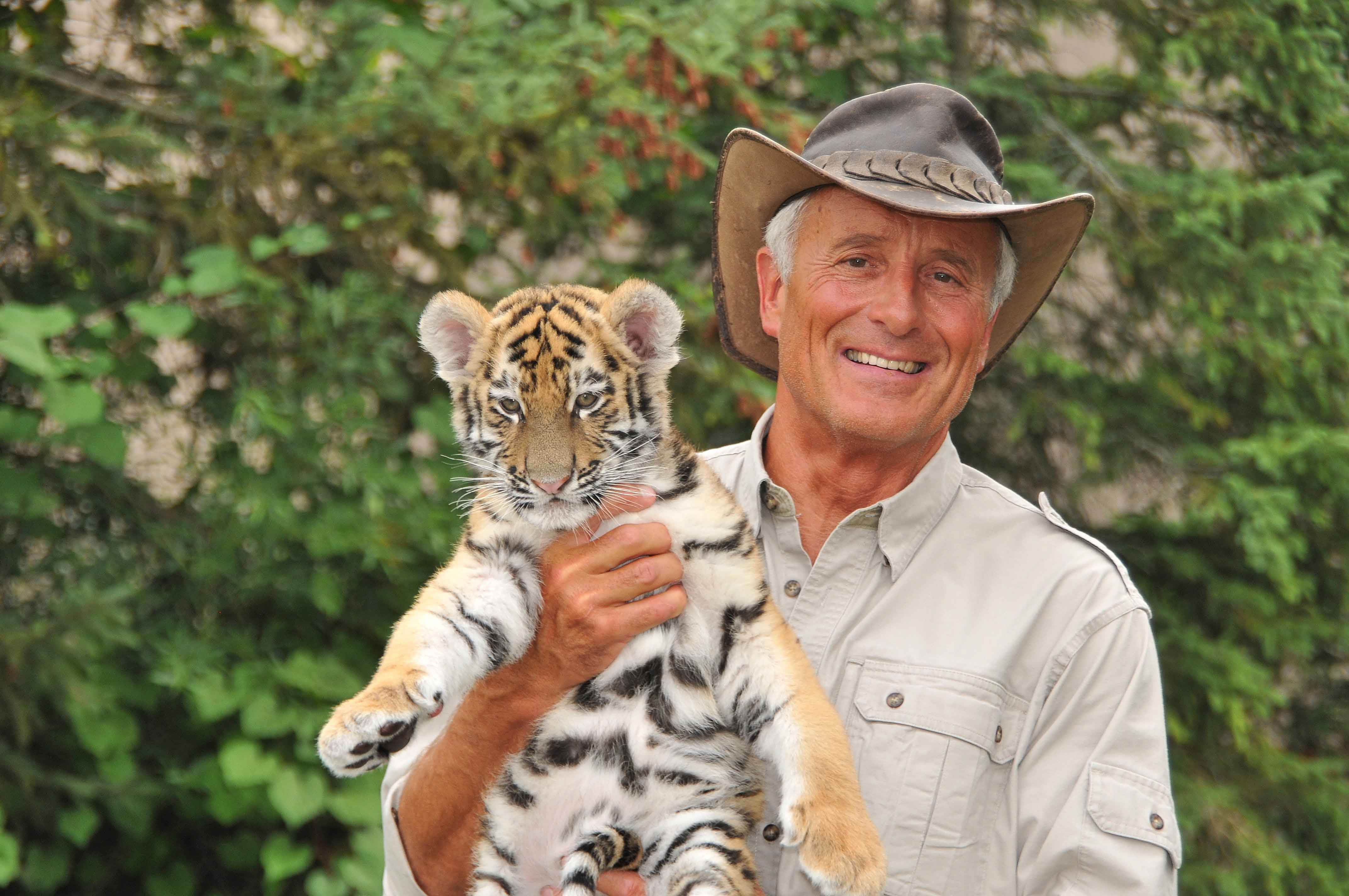 Jack Hanna A Knoxville Native Plans To Retire From Columbus Zoo