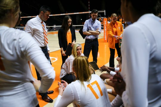 Tennessee coach Eve Rackham, shown instructing the Lady Vols during a match against Michigan State, has juggled her first heading coaching job with having a baby.