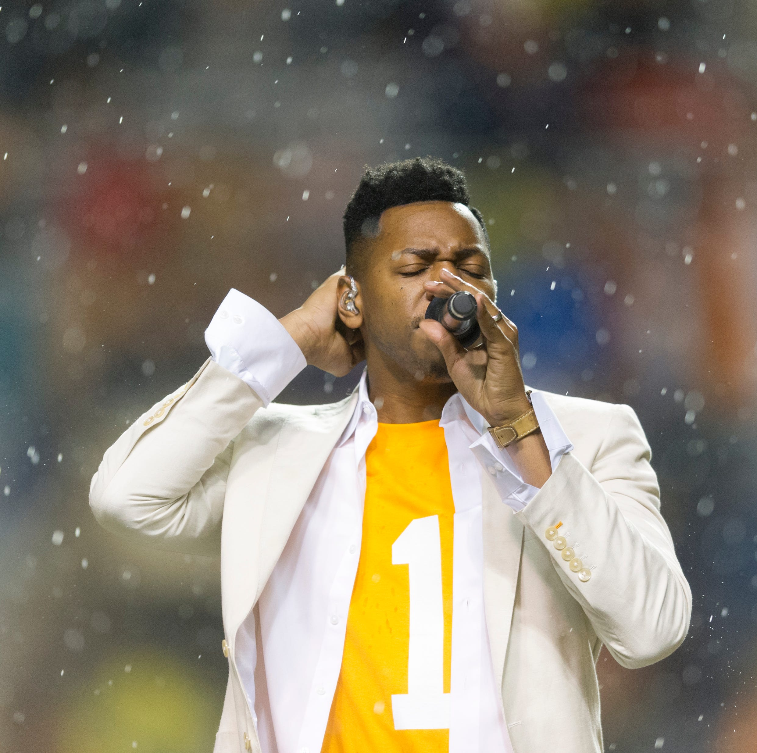 Watch: Knoxville's Chris Blue releases 'I'm a Vol Fan' song celebrating Tennessee basketball