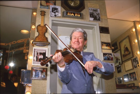 Roy Acuff poses for a photo in 1986. Photo by J. Miles Cary