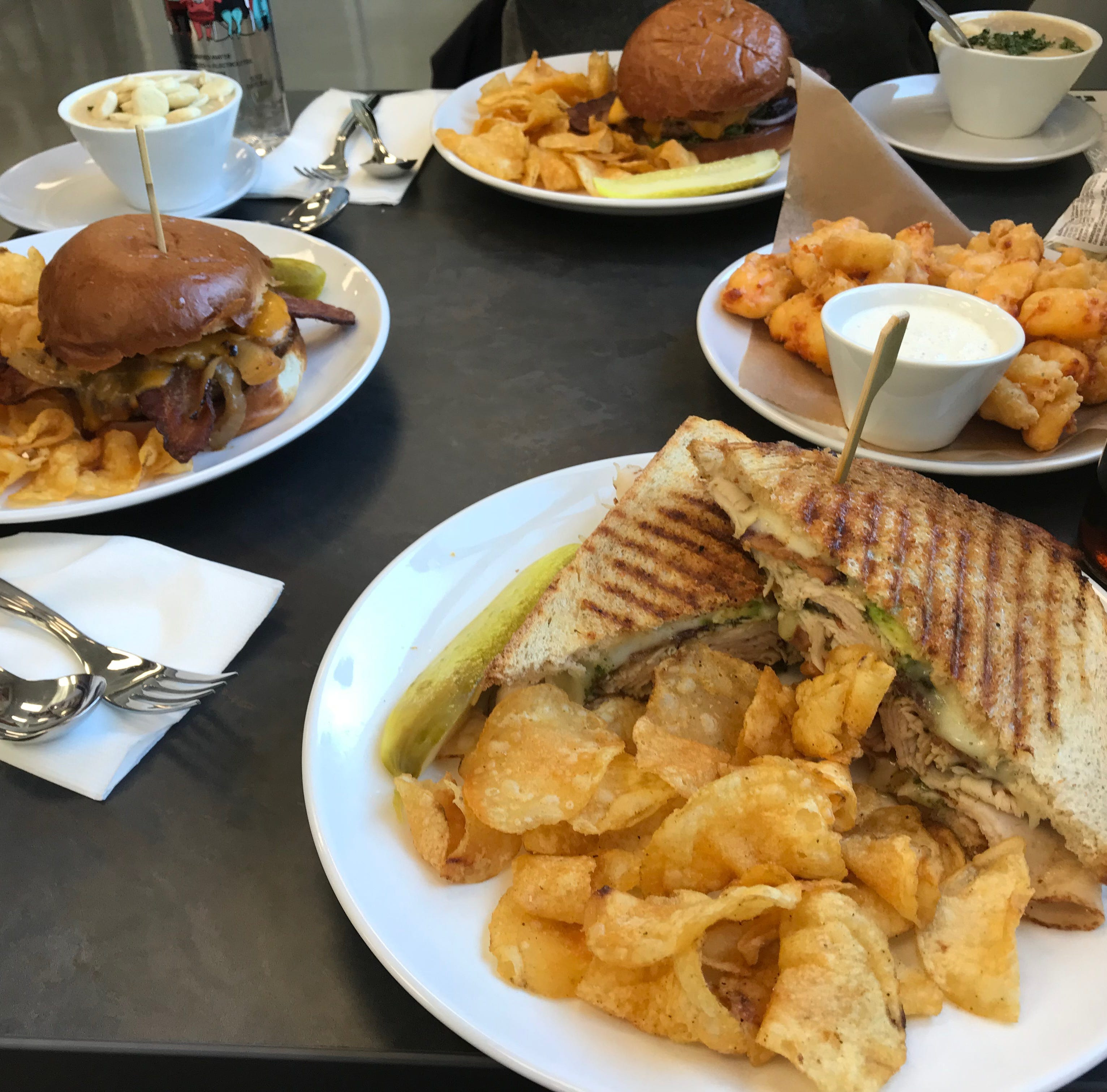 Manitowoc Farm Wisconsin Discovery Center café has burgers, cheese curd goodness | Savor