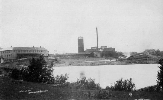 Yawkey-Bissell Lumber Co. on Katherine Lake, circa 1909.