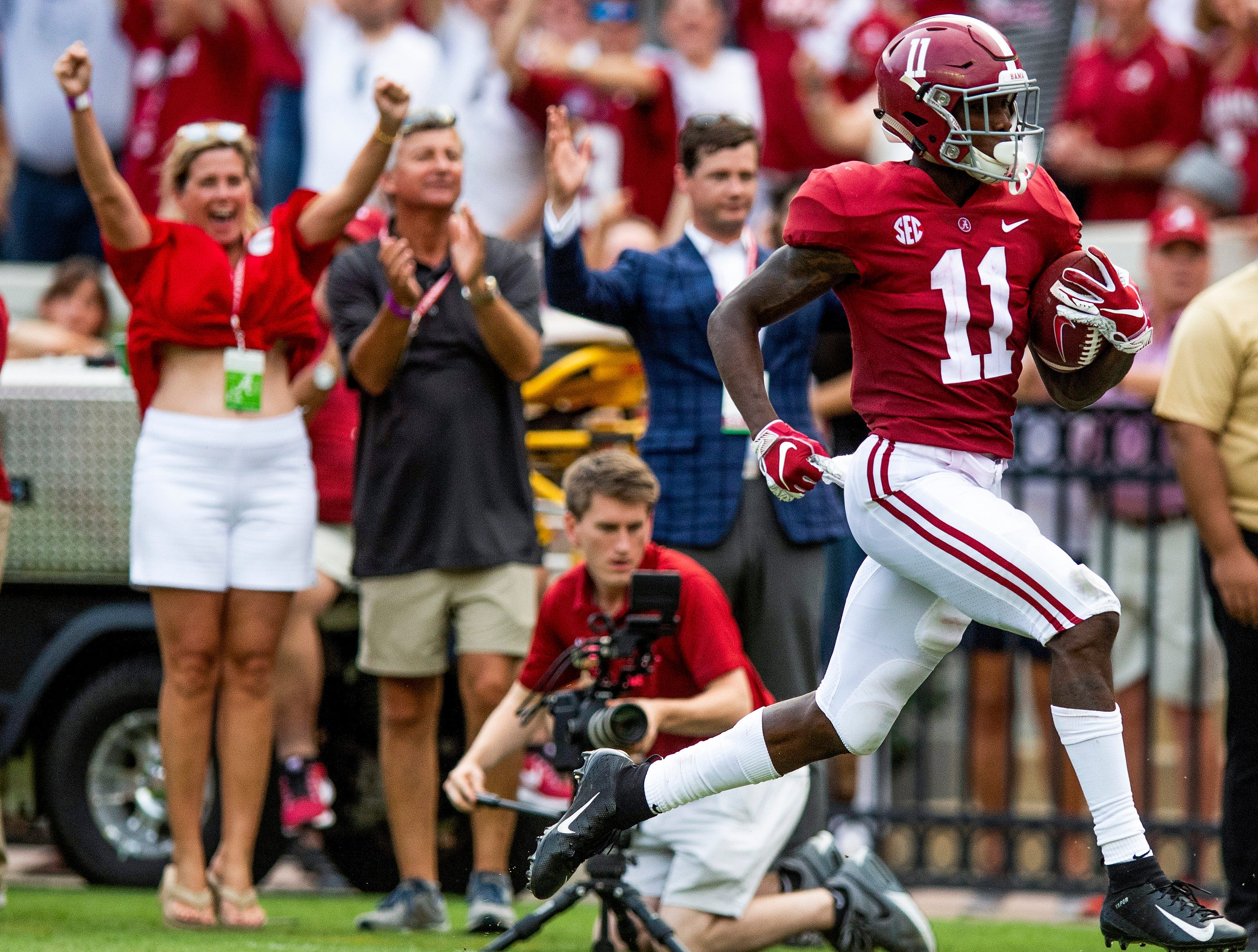 Alabama wide receiver Henry Ruggs, III, (11) scores a touchdown against Texas A&M in second half action in Tuscaloosa, Ala., on Saturday September 22, 2018.