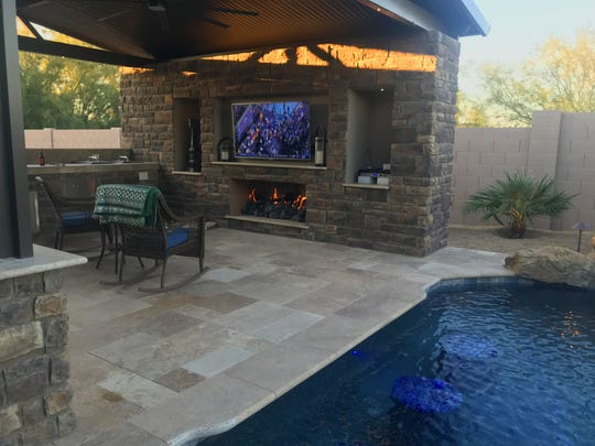 Mesa Dream Backyard Has Tiki Hut Big Screen Tv And A Pool
