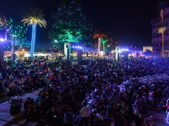 La celebración comenzóel 23 de noviembre con el Glendale Glitters Spectacular Weekend.