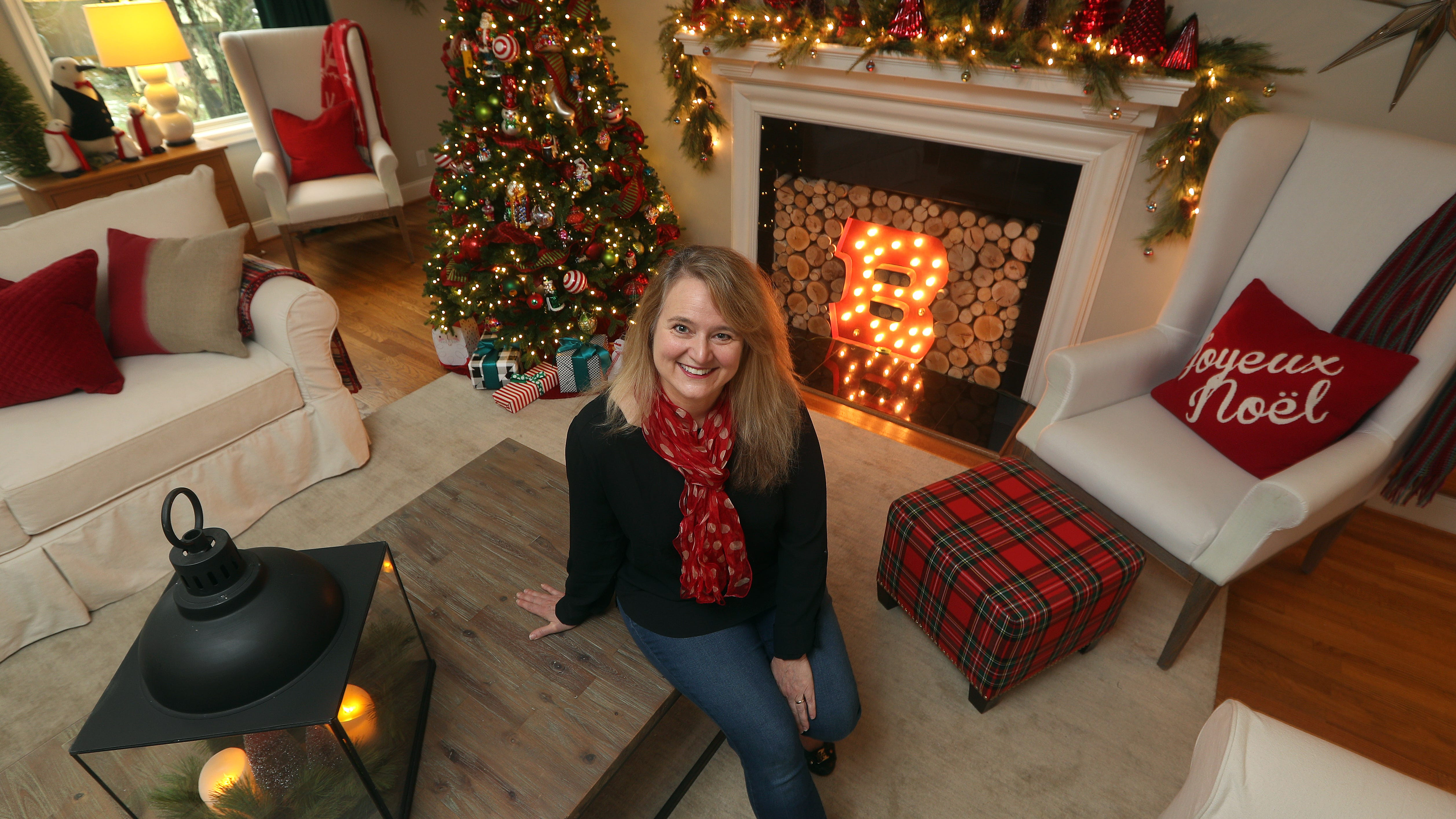 Decorator Amie Freling-Brown says it's easy and inexpensive to make your house more festive for the holidays.