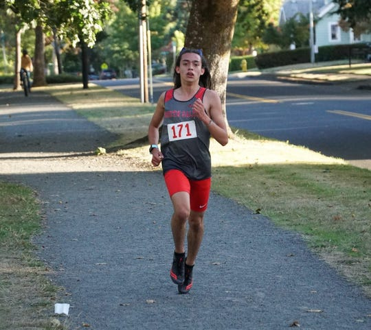 South Salem runner Evan Gonzalez
