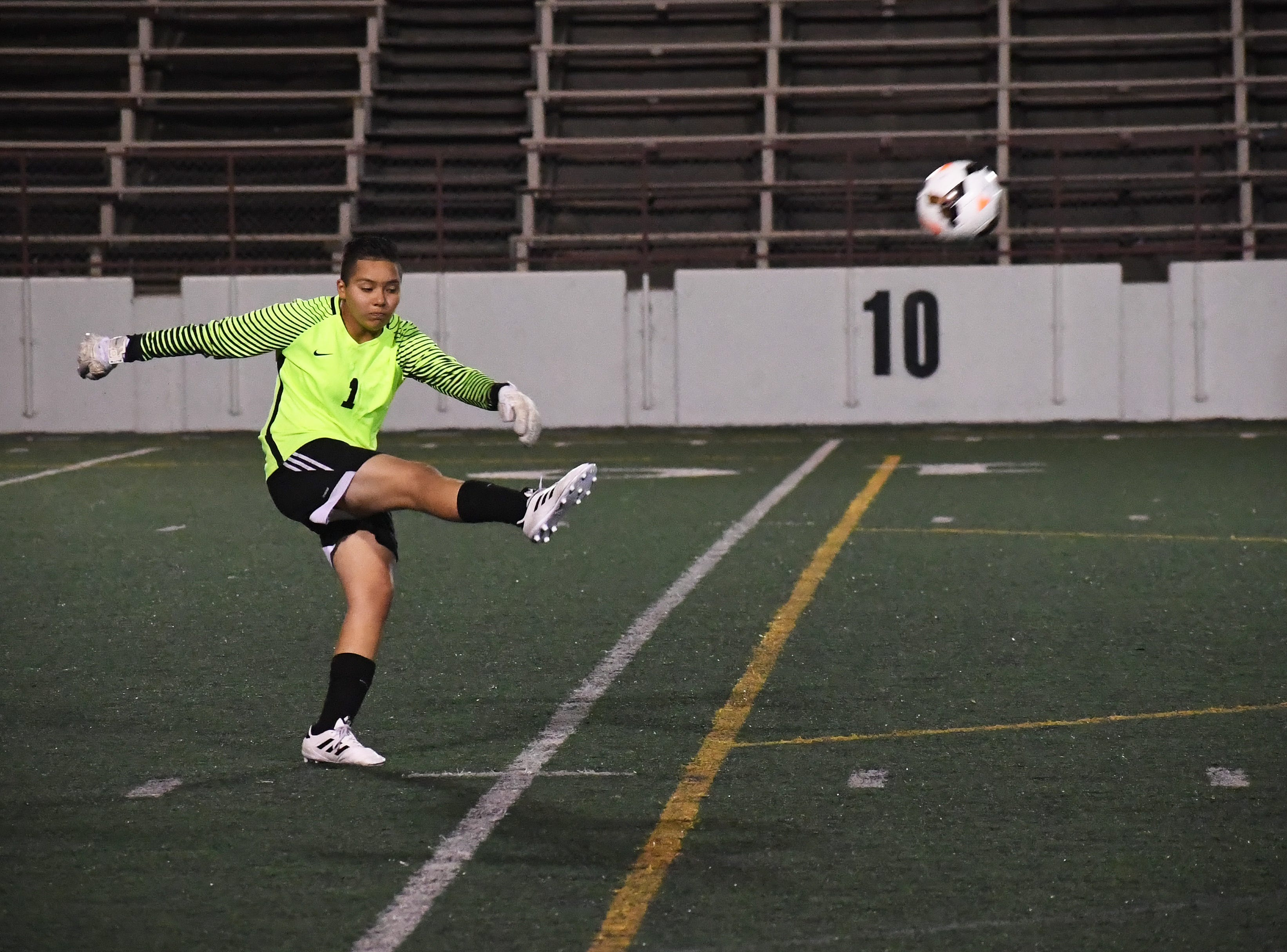 Goalkeeper Laryssa Venegas (1) had eight saves in the win over Pacific Collegiate.