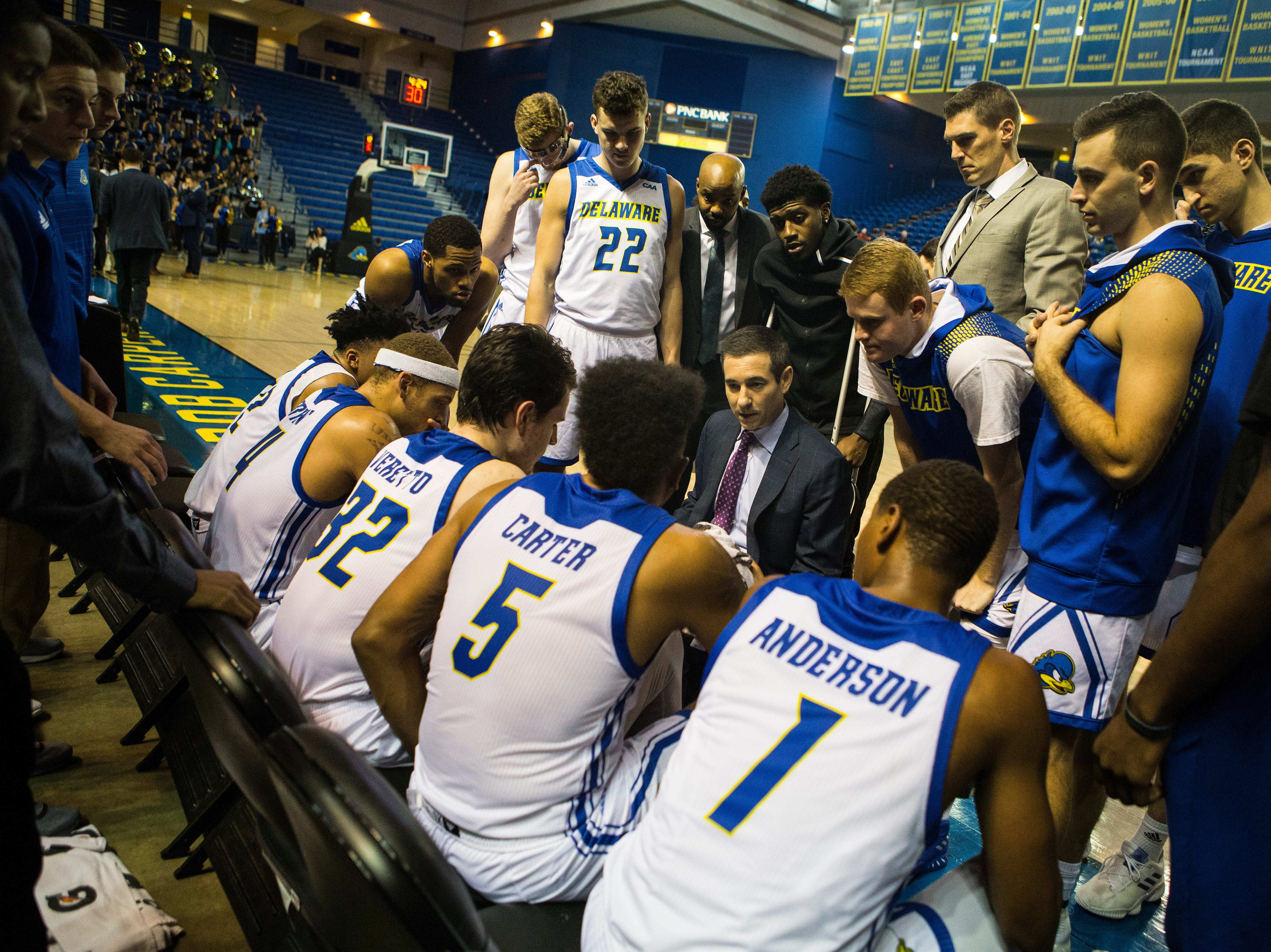 Delaware head coach Martin Ingelsby speaks to his team during a timeout Monday at the Bob Carpenter Center. Delaware defeated Louisiana Tech 75-71.