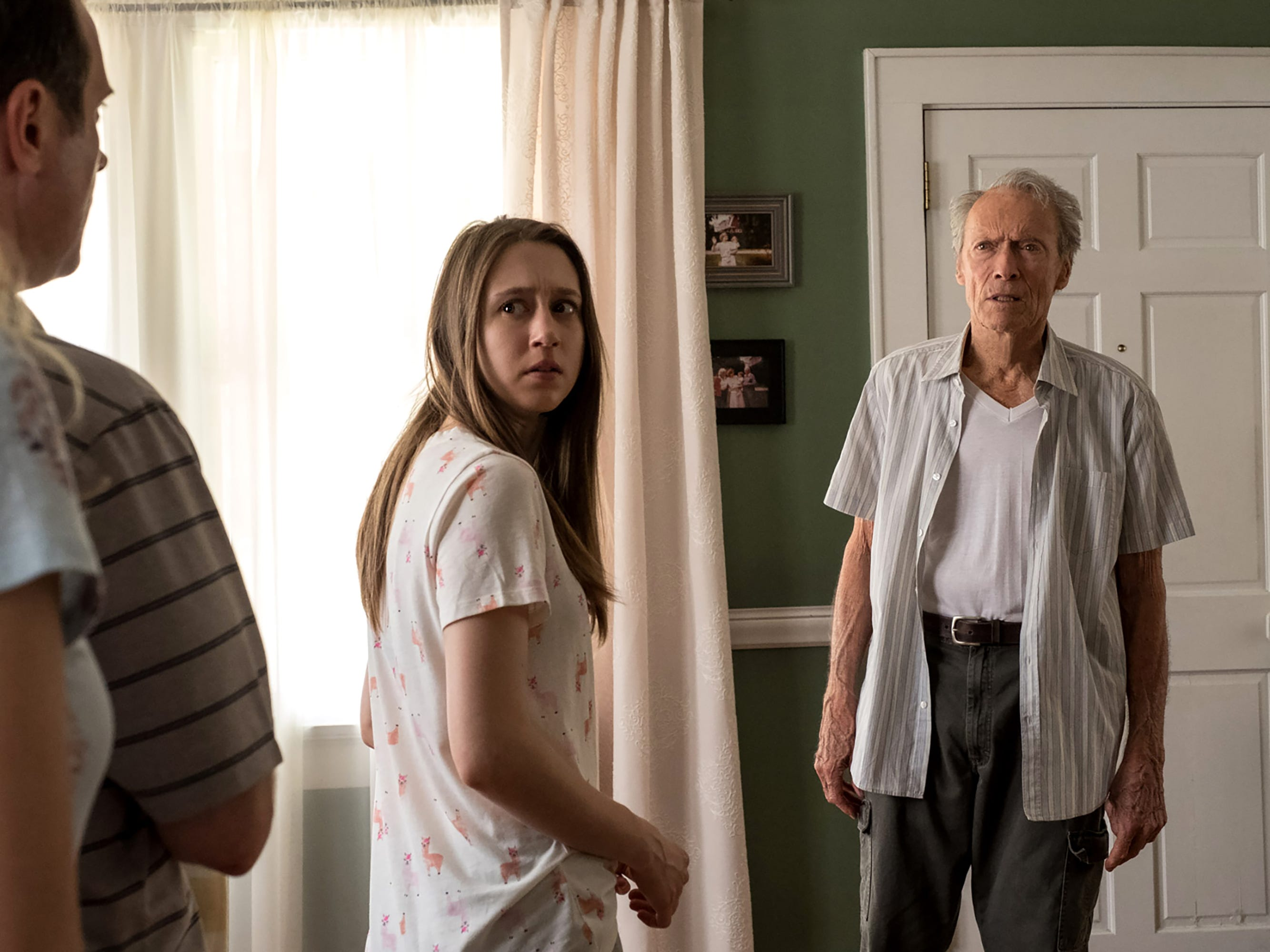 """Earl Stone (Clint Eastwood, right) tries to maintain a close relationship with granddaughter Ginny (Taissa Farmiga) in """"The Mule."""""""