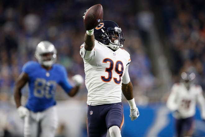 Chicago Bears free safety Eddie Jackson returns an interception for a touchdown against the Detroit Lions.