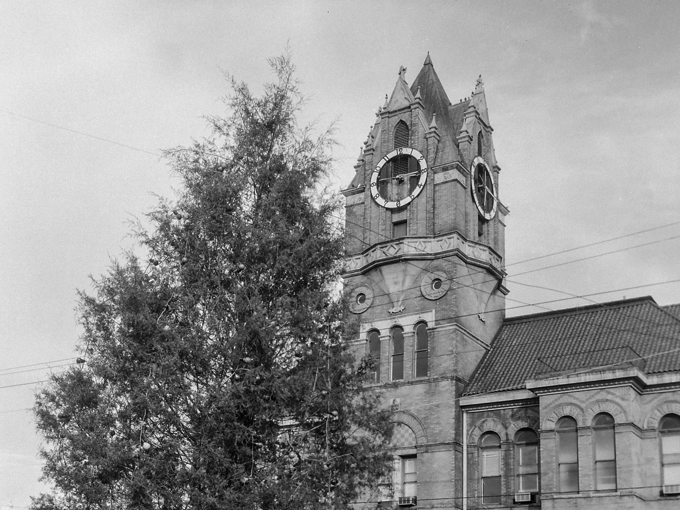 Anderson Christmas tree in December 1961 in downtown Anderson.