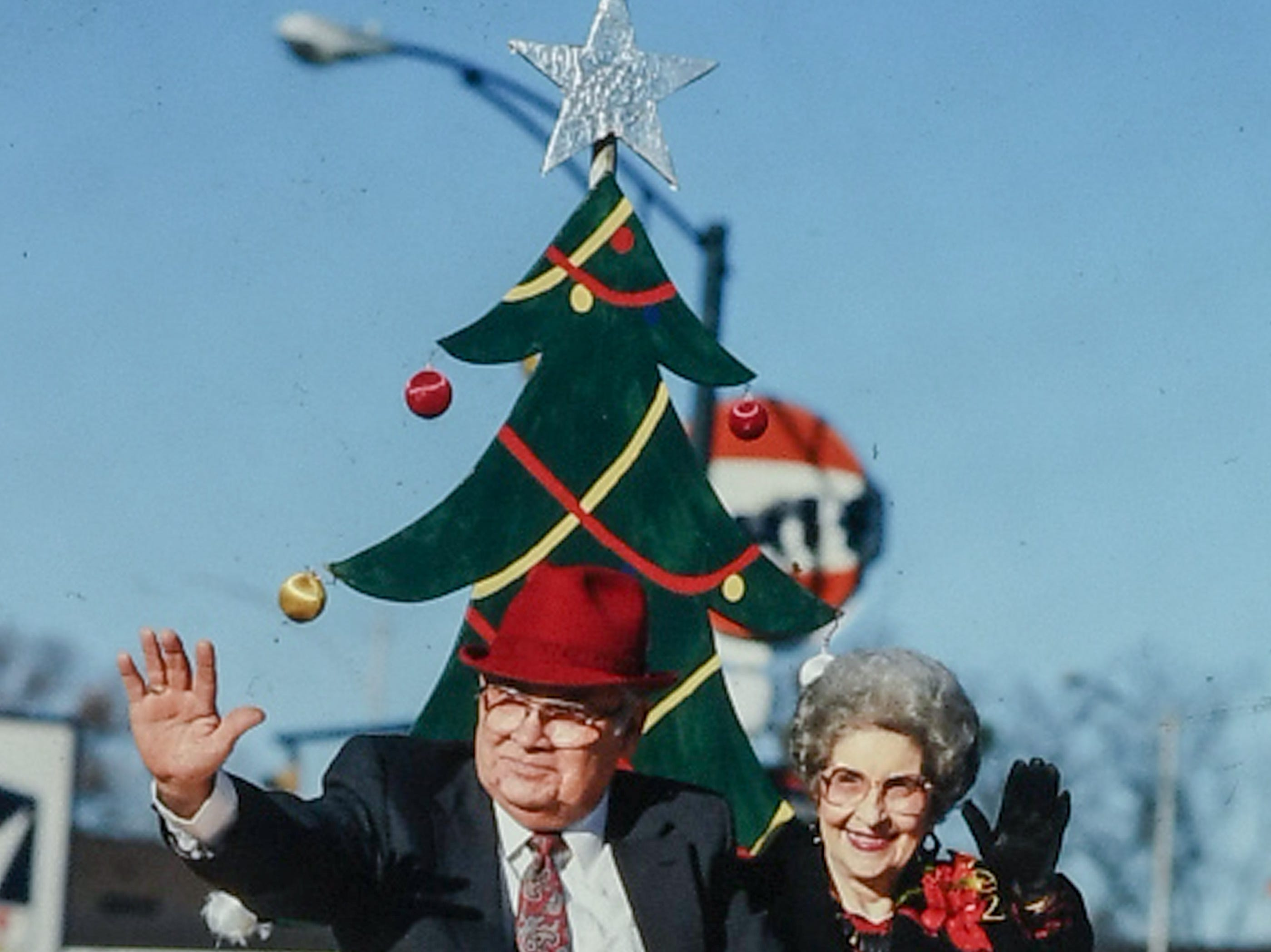 City Mayor Darwin Wright waves during the Anderson Christmas parade in December 1987 in downtown Anderson. (Patrick Wright photos)