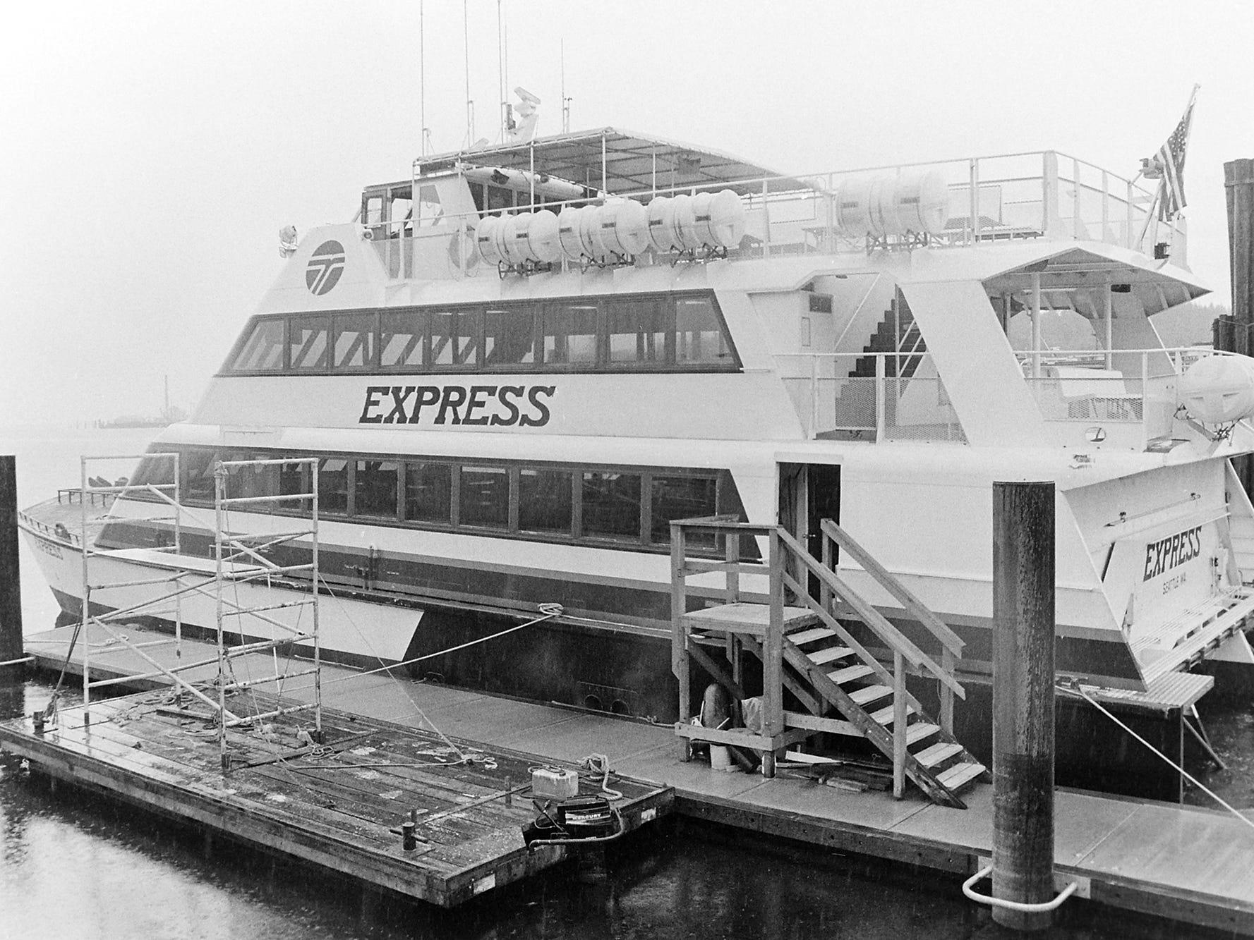 05/12/87Express Ferry