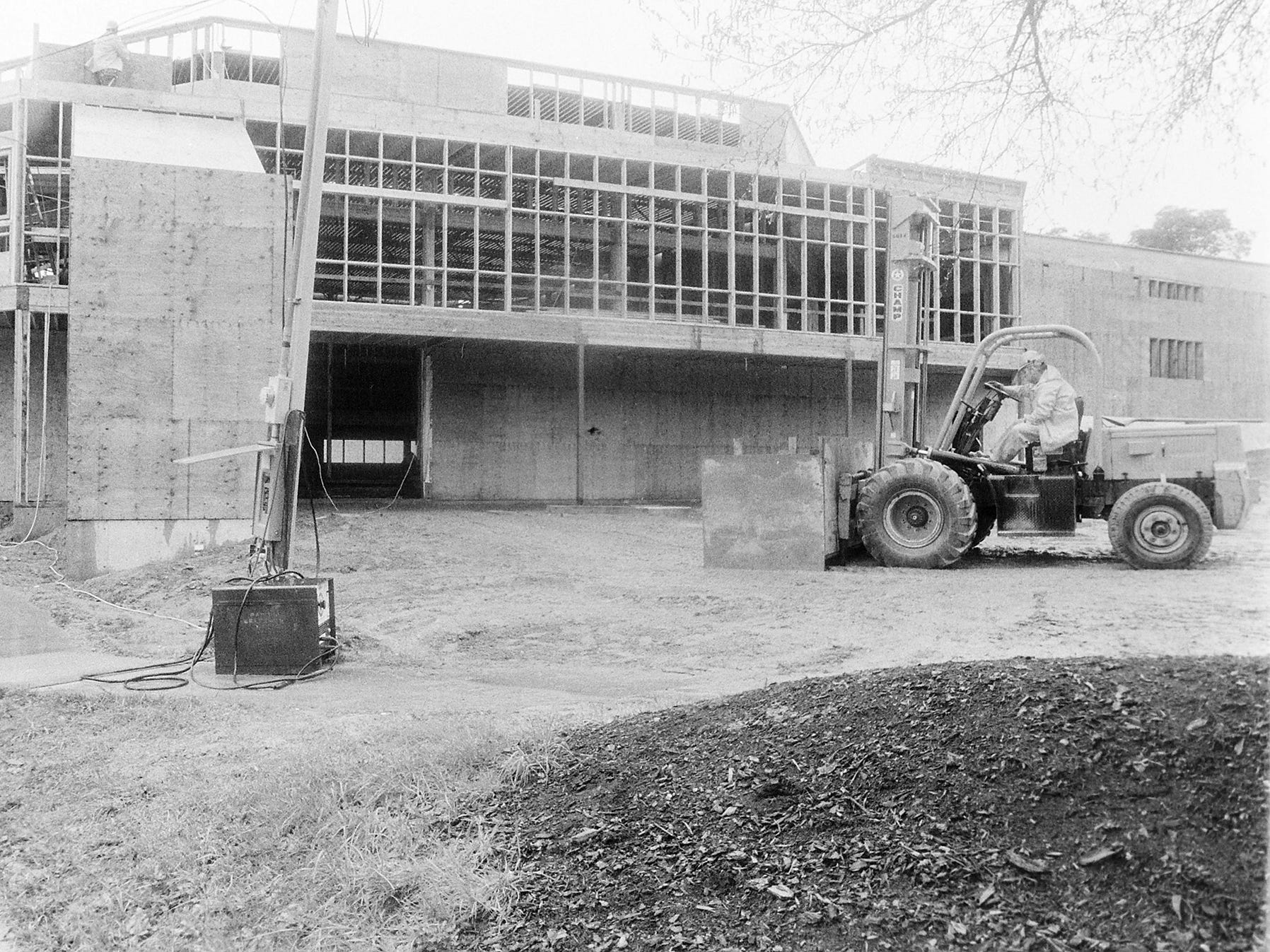 04/03/87