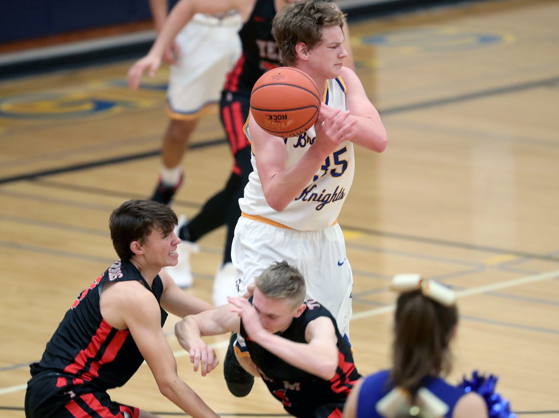 Bremerton played a boys basketball game against Yelm at Bremerton on Tuesday, November 27, 2018.