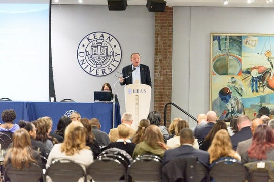 Former State Sen. Raymond Lesniak spoke at the criminal justice simulation event at Kean University.