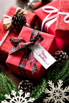 Three Carteret School District alumni are joining forces with a local non profit in an effortto bring holiday cheer to those in need, particularly in the borough.
