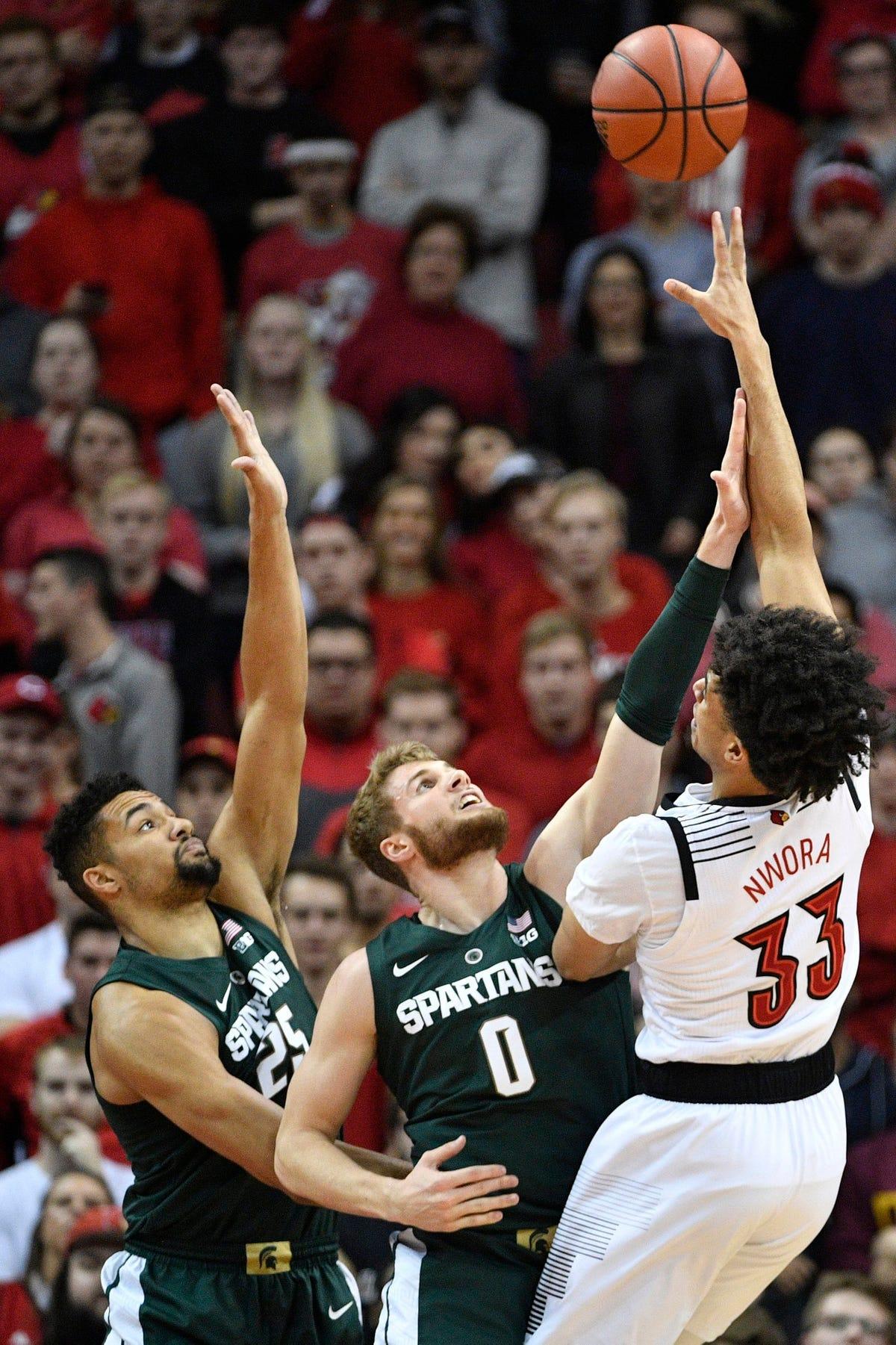 MSU vs  Louisville basketball: Kenny Goins 17 rebounds, 1 eye