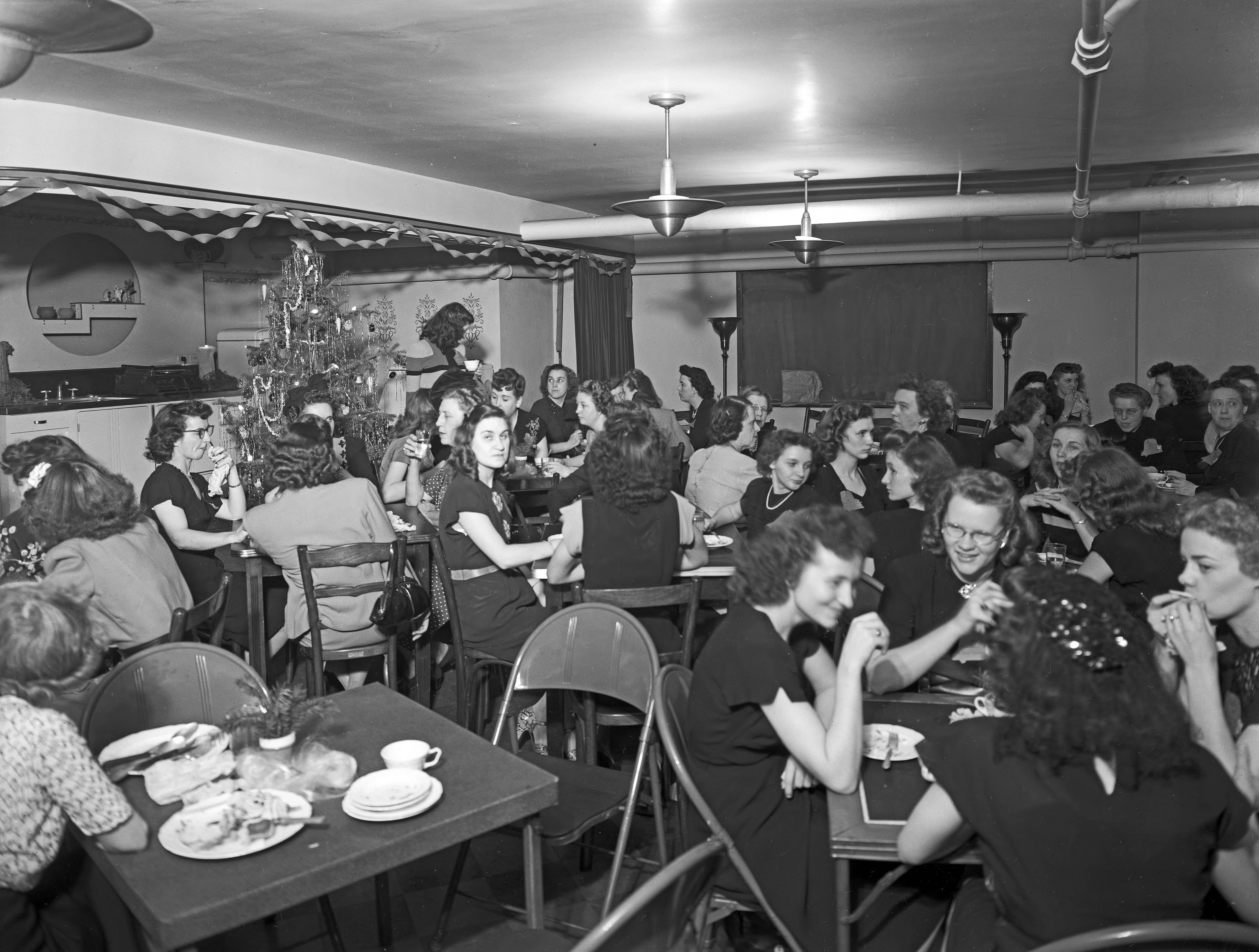 SIGECO Christmas party. Date unknown.