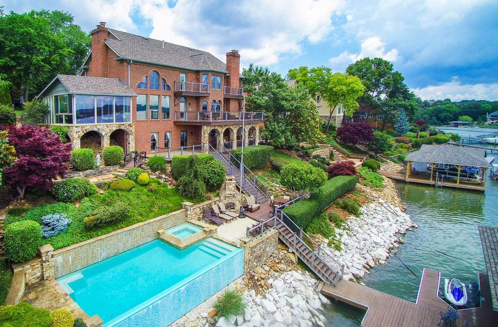 10205 S. River Trail, Knoxville, TN 37922. 7,201 Square Feet With Five