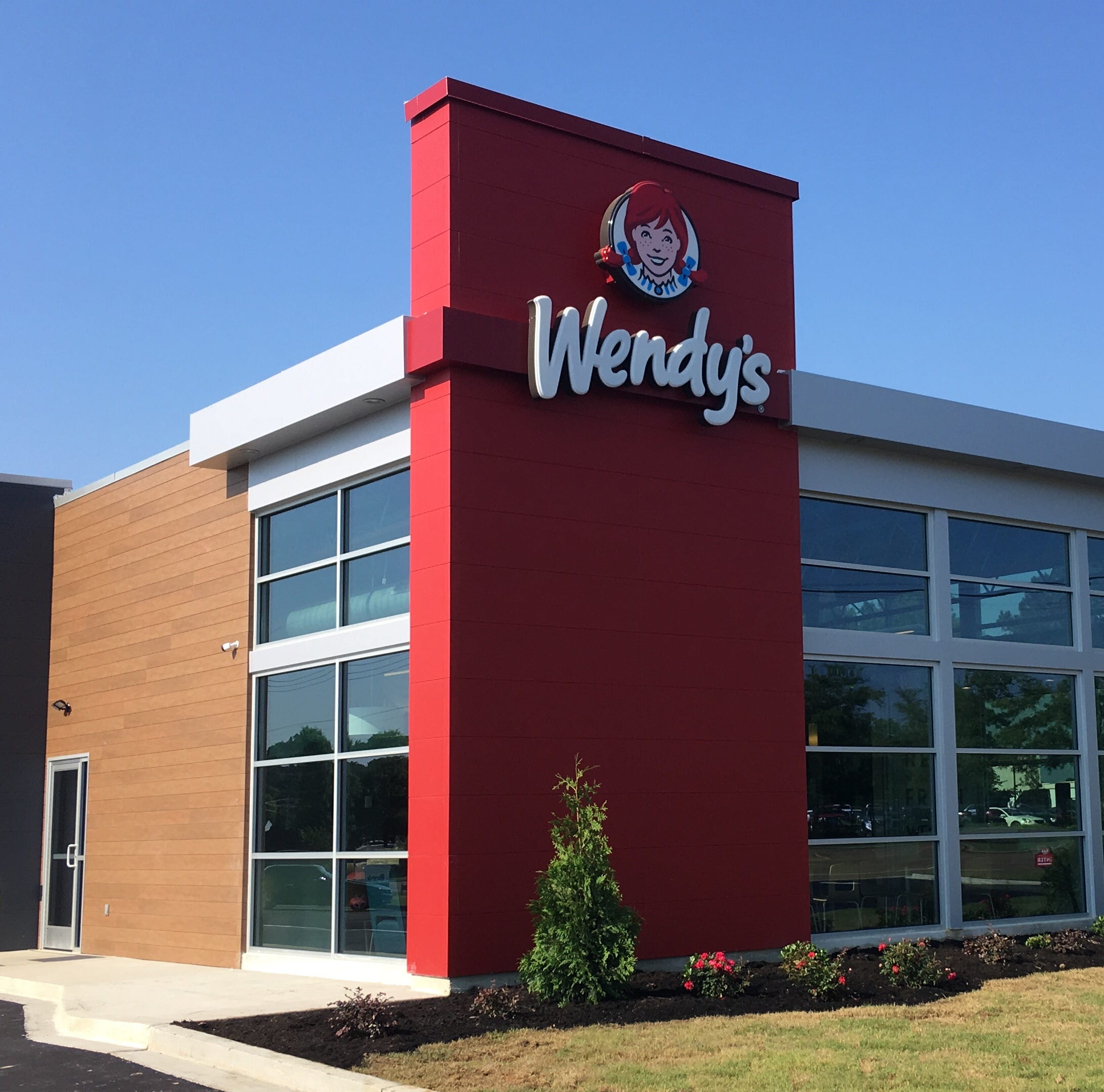Wendy's recognizes general managers from Memphis-based franchisee Carlisle Corp.