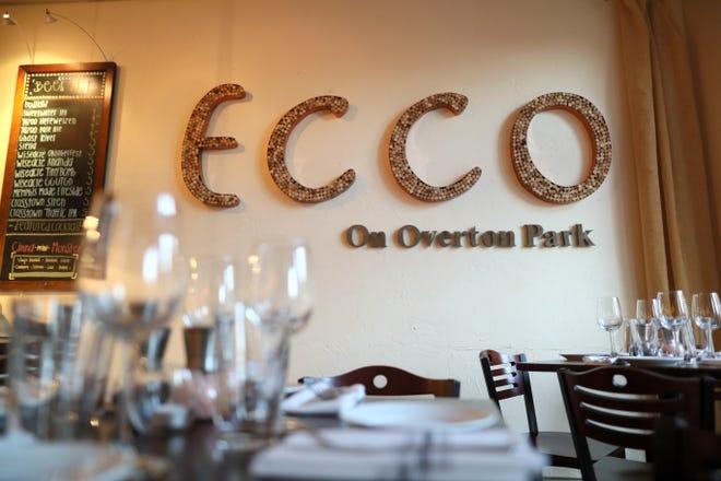 Restaurante Ecco en el histórico barrio Evergreen del centro.