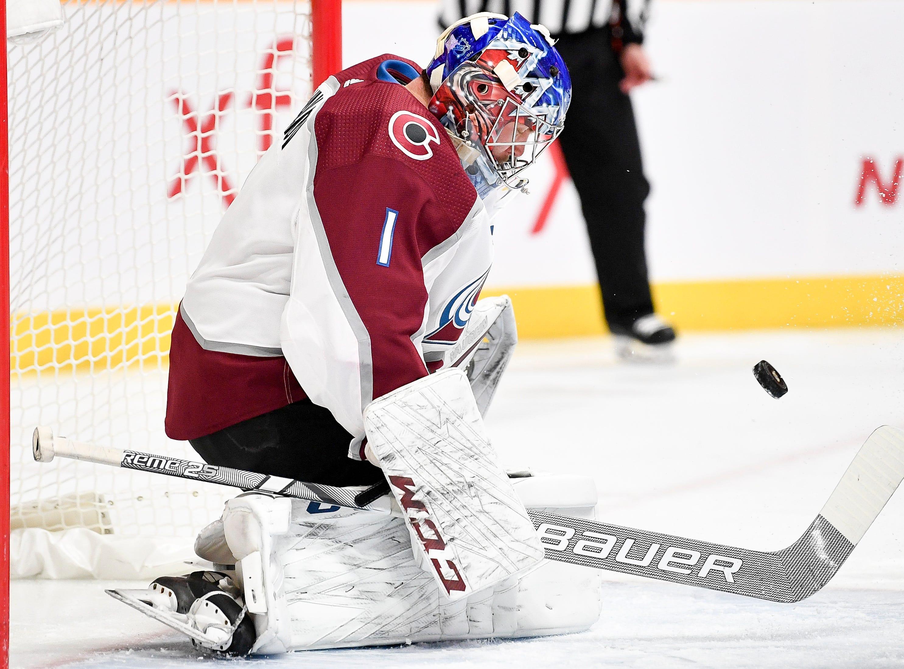 Colorado Avalanche goaltender Semyon Varlamov (1) defends against the Nashville Predators during the first period at Bridgestone Arena in Nashville, Tenn., Tuesday, Nov. 27, 2018.