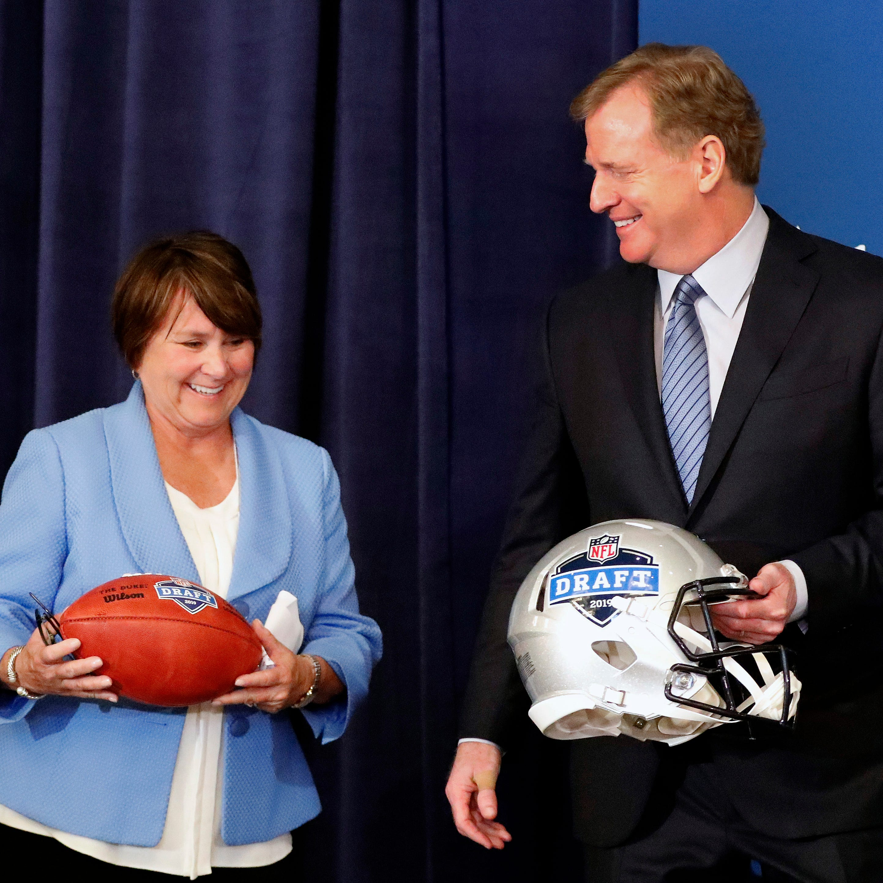 Titans owner Amy Adams Strunk named Tennessean of the Year by Tennessee Sports Hall of Fame